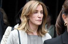 Nữ diễn viên Felicity Huffman chạy trường cho con nhận án phạt ra sao?