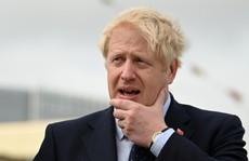 Thủ tướng Anh tự so với Người khổng lồ Xanh, tuyên bố cứng về Brexit