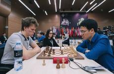 Lê Quang Liêm thẳng tiến vòng 4 World Cup cờ vua
