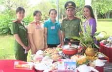 Hàng ngàn người dân Bạc Liêu đến dự ngày giỗ Bác Hồ