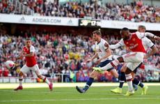 Vô địch FA Cup, Arsenal khiến láng giềng Tottenham rơi nước mắt