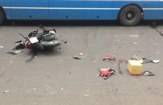 Cô gái vừa hô cướp vừa lao xe trên đường rồi bất ngờ tông thẳng vào xe buýt