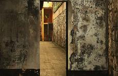 Quản giáo 'quên' khóa cửa buồng giam để nữ phạm nhân 'phạm tội rất nghiêm trọng' bỏ trốn