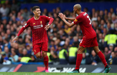 Hạ Chelsea bằng siêu phẩm, Liverpool thách thức cả giải Ngoại hạng