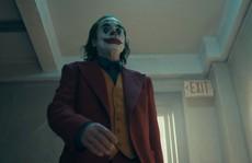 Ám ảnh thảm sát, rạp phim cấm mang mặt nạ khi xem 'Joker'