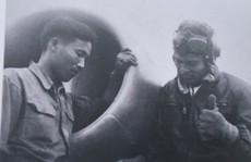 """7 tấm ảnh tư liệu về Anh hùng phi công """"huyền thoại số 7"""""""