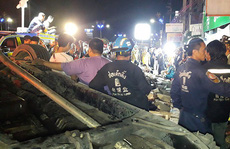 Xe bán tải đâm vào cột điện, 13 sinh viên thiệt mạng