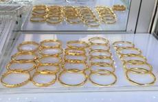 Biến động liên tục, giá vàng SJC trồi sụt quanh 42 triệu đồng/lượng