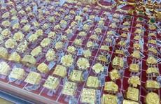 Giá vàng SJC 'bốc hơi' gần nửa triệu đồng/lượng