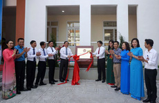 Hà Nội: Gắn biển công trình kỷ niệm Quốc khánh 2-9