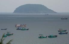 Tiếp sức ngư dân huyện Côn Đảo