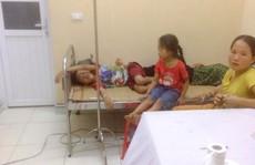 Ăn cỗ mừng tân gia, hơn 30 người nhập viện