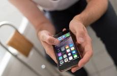 Chồng ôm điện thoại 'trốn' vào nhà vệ sinh, vợ tức tối tắt wifi