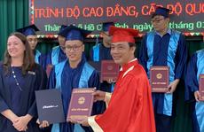 Trao bằng tốt nghiệp cho 46 sinh viên chương trình chuyển giao từ Australia