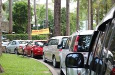Chơi Tết tại trung tâm TP HCM, gửi xe ở đâu tránh bị 'chặt chém'?