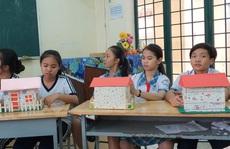 Học sinh Bình Chánh làm 'Ngôi nhà cách âm'