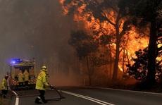 Nước Úc khốn đốn trong thảm họa cháy rừng