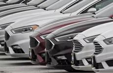 Ôtô tồn kho nhiều vô kể, đẩy hàng cũ ế, ém xe đời mới