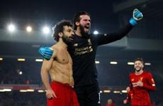 Đè bẹp Man United, Liverpool 'khủng bố' Ngoại hạng Anh