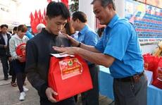 Bình Phước: Tiễn công nhân về quê đón Tết