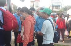 Lần thứ 3 'Chuyến xe nghĩa tình' đưa công nhân về quê đón Tết