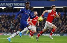 Thẻ đỏ 'cố nhân', rượt đuổi tỉ số điên rồ tại Stamford Bridge