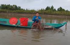 CLIP: Về Cà Mau xem nông dân bắt cá kèo ăn Tết
