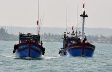 Những con tàu đón Tết trên đại dương