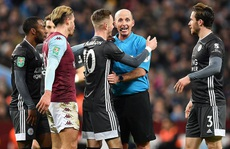 Thắng nghẹt thở Leicester, Aston Villa vào chung kết League Cup