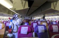Lo virus Vũ Hán, các hãng bay sẵn sàng hủy chuyến, bỏ suất ăn