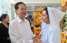 Nguyên thủ tướng Nguyễn Tấn Dũng viếng tang lễ NSƯT Nguyễn Chánh Tín