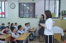 Phu nhân Ngoại trưởng Nhật Bản trò chuyện với học sinh trường Chu Văn An