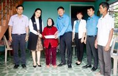 Thăm hỏi, tặng quà gia đình chính sách, Mẹ Việt Nam anh hùng