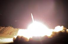 Iran phóng hàng chục tên lửa vào căn cứ Mỹ tại Iraq