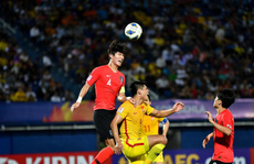 VCK U23 châu Á 2020: Hàn Quốc thắng vất vả ngày ra quân