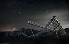 Trái đất bắt được tín hiệu vô tuyến lạ từ thiên hà 'bản sao'