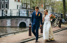 Du lịch Hà Lan được 'tặng bạn đời'