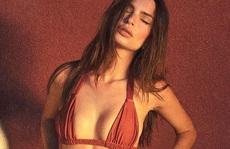 """Thiên thần nội y"" Emily Ratajkowski đẹp bốc lửa với bikini"