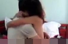 Khoe ngực qua mạng, cô gái bị thanh niên quay lén tống tiền
