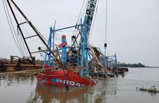 Tìm thấy thi thể 2 ngư dân mất tích trong mưa lũ ở Quảng Nam