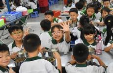 ĂN ĐÚNG CÁCH ĐỂ KHỎE MẠNH: 'Huấn luyện ăn uống' cho trẻ