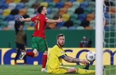 Tân binh Liverpool lập công, Bồ Đào Nha mở đại tiệc chiến thắng tặng Ronaldo