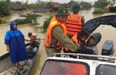 """""""Đại hồng thủy"""" nhấn chìm  gần 80.000 nhà dân Quảng Bình, 3 người chết"""