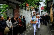 Xúc động lễ tang liệt sĩ, Thiếu tướng Nguyễn Hữu Hùng tại quê nhà