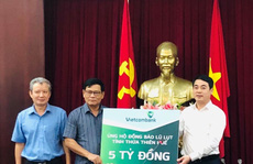 Vietcombank ủng hộ 11 tỉ đồng chung tay cùng đồng bào miền Trung