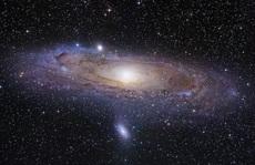 Hãi hùng 'quái vật' chứa Trái Đất nuốt chửng cả một thiên hà