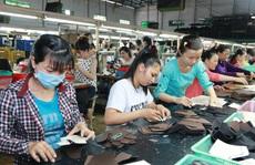 NÓNG: Nới điều kiện để doanh nghiệp vay trả lương ngừng việc cho người lao động