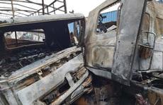 Xe container đấu đầu xe tải, cùng bốc cháy ngùn ngụt