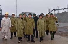 Thủ tướng yêu cầu người dân miền Trung hạn chế hoặc không ra đường để tránh bão số 9