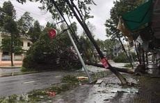 Bão số 9 tàn phá các địa phương miền Trung